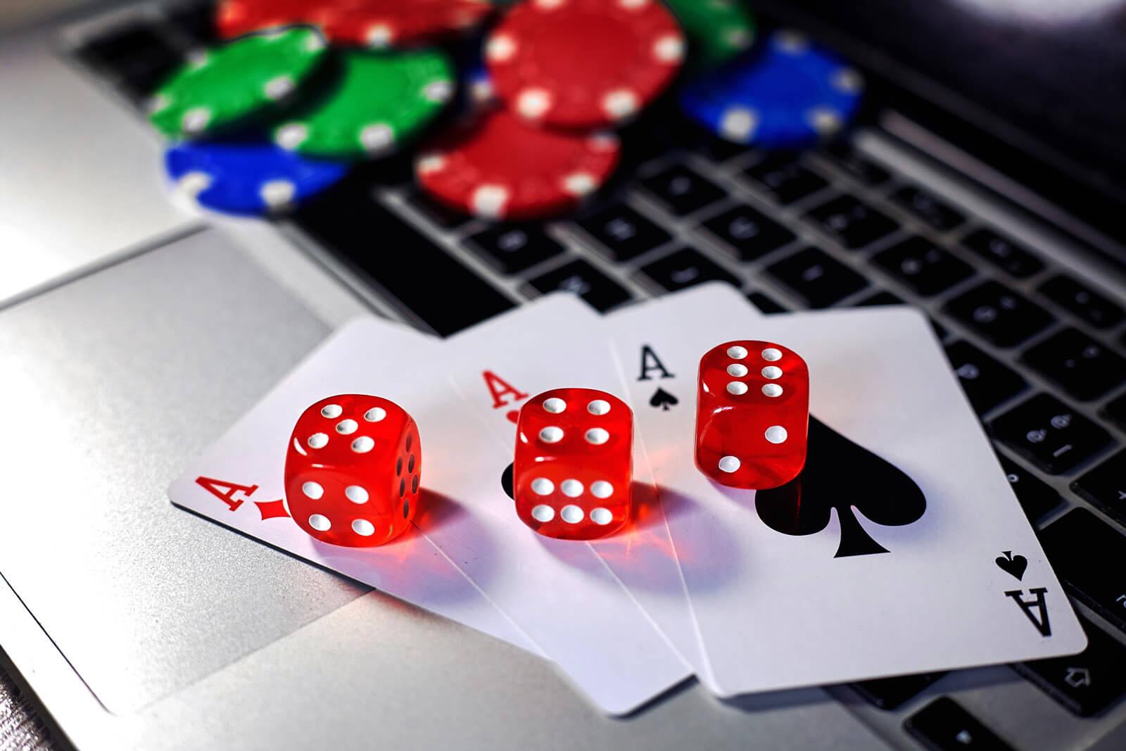 Laptop Casino Gambling Aces Dices
